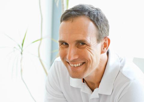 Dr. med. Stefan Plüquett